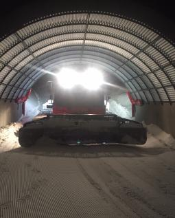 1 Groomer in Tunnel